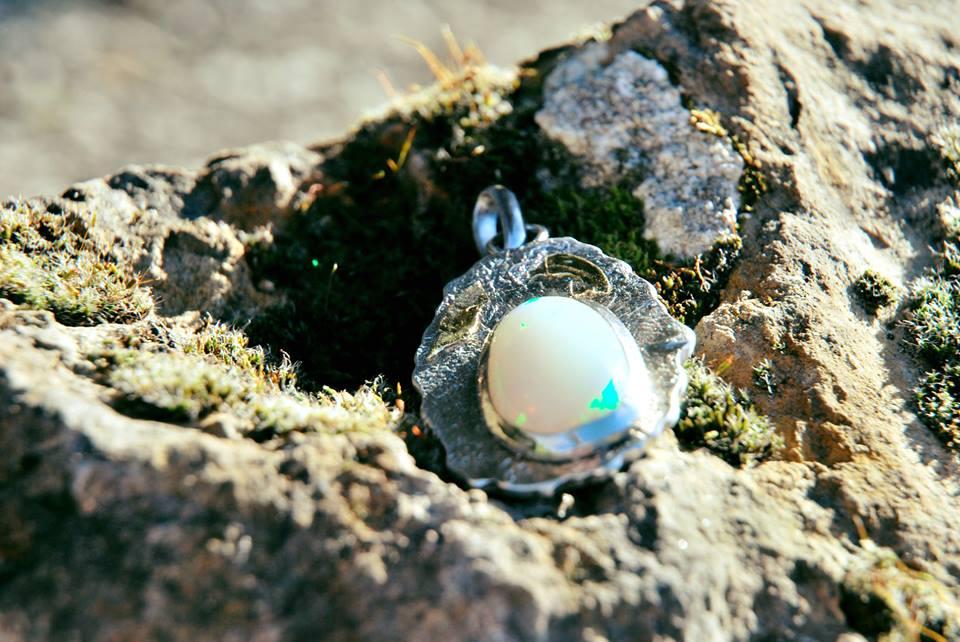 Pendentif argent et or opale
