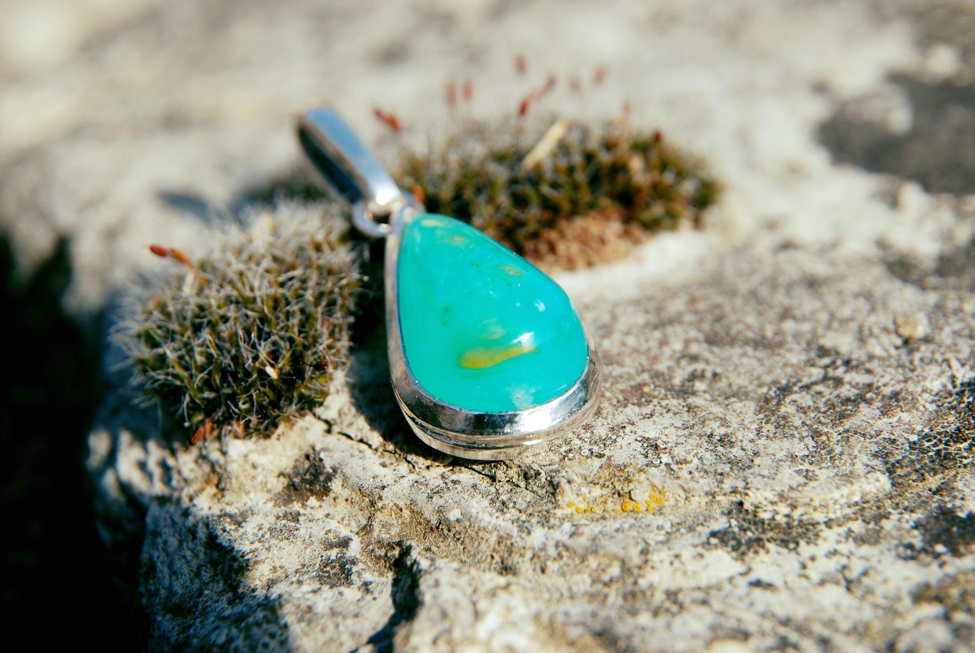 Pendentif opale des andes